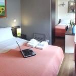 Camera Tripla con bagno privato interno, tv, climatizzatore. frigobar, asciugacapelli a parete, wi-fi.